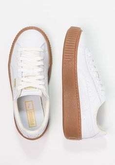 Full the wearer with a set of two System Shoes For Women. Platform Sneakers, Shoes Sneakers, Shoes Heels, Puma Platform, Brown Puma, Converse Slippers, Rihanna Shoes, Sneaker Heels, School Shoes