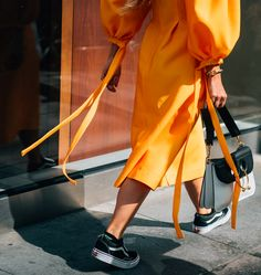 What better way to team the Regina Pyo Jamie dress than with a JW Anderson monochrome bag? Check out our Instagram Stories for live street style straight from #NYFW courtesy of Tommy Ton #styledotTon