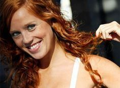 Europe: Red-haired girl from Galicia (Celtic Spain). The closet relatives of the Irish are found in Galicia and the Basque region of Spain. Beautiful People, Most Beautiful, Spanish Heritage, Celtic Nations, Celtic Pride, Spain Images, Spanish Woman, Celtic Culture, Red Hair Don't Care