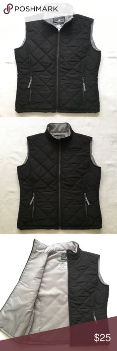 """Hard Rock Seminole Quilted Vest - Large in Black Excellent Condition - Hard Rock Seminole Women's Quilted Vest  Pit to pit: 21.5"""" Back collar to hem: 24"""" Hard Rock Jackets & Coats Vests"""