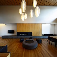 Amazing wood and charming light source in this House by Marc Australia Minimalist Interior, Modern Interior Design, Minimalist Design, Interior Architecture, Modern Interiors, Minimalist Living, Concrete Interiors, Ethnic Decor, Living Room Interior