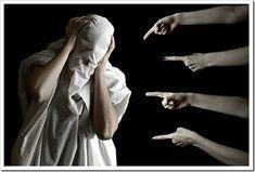 O MITO DA REJEIÇÃO O que me surpreende mais nesta fase adulta da vida, é que muitas pessoas não sabem lidar com a rejeição e não são adolescentes, são pessoas tão adultas de idade como Eu ou mais velhas; e isso faz-me rebentar simplesmente a cabeça.  Existe uma insegurança na voz dessas pessoas quando se fala na rejeição.  Espera um segundo… Lê o Artigo: http://brunopatricialima.com/e/Mito-Da-Rejeicao
