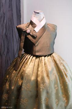 한복 Hanbok : Korean traditional clothes[dress]   #ModernHanbok …