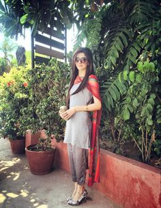 Mawra Hocane..i loved this grey suit with red printed duppatta..