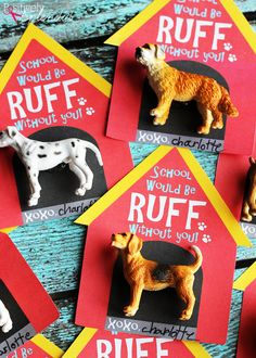 An idea to create doghouse valentine cards with free printable PDF file and plastic dog figures. A great alternative to candy treats! MichaelsMakers Positively Splendid