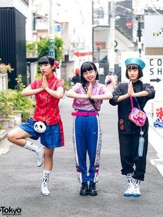 "teen girls doing ""Dragon Ball"" anime/manga/cartoon poses ... Mawoni (left, 15 years old), Yumi (middle, 16 years old), & Nanase (right, 14 years old) - all students | 15 December 2017 | #couples #Fashion #Harajuku (原宿) #Shibuya (渋谷) #Tokyo (東京) #Japan (日本)"