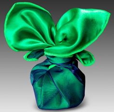 Emerald Wrapping Scarf!! A classy way to wrap a gift....this webstore is all about this idea!! Beautiful!!