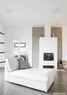 Kannustalo Harmaja Living Room Interior, Home Interior, Living Room Decor, Living Spaces, Interior Design, Home Fireplace, Fireplace Design, Fireplaces, Home Fashion
