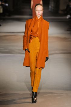 Haider Ackermann at Paris Fashion Week Fall 2012 - Runway Photos Vogue Fashion, Paris Fashion, Autumn Fashion, Colourful Outfits, Colorful Fashion, High Waisted Flares, Orange Fashion, Look Chic, Pretty Outfits