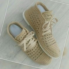 Knit Shoes, Fashion Sewing, Baby Shoes, Knitting, Crafts, Wide Fit Women's Shoes, Footwear, Accessories, Manualidades