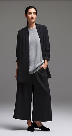 Free standard shipping on all Continental US orders. Shop women's casual clothing that effortlessly combines timeless, elegant lines with eco-friendly fabrics from EILEEN FISHER. Cool Outfits, Casual Outfits, Fashion Outfits, Womens Fashion, Classy Outfits, Latest Fashion, Fashion Trends, Eileen Fisher, Pantalon Large