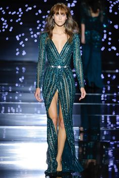 Shimmering couture Zuhair Murad princesses in detailed gowns and the occasional detailed jumpsuit. See the Zuhair Murad Haute Couture F/W 2015 show below: Couture 2015, Style Haute Couture, Couture Fashion, Runway Fashion, Fashion Show, Fashion Design, Couture Week, Paris Fashion, Fashion Fashion