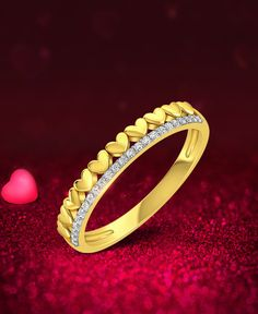 This exquisite and elegant diamond and heart ring from our Mon Amour collection is inspired by the special bond and memories which will forever be nostalgic.