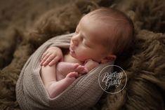 Bratenahl Newborn Photographer | Newborn Photography in Bratenahl Ohio | Best Newborn Photographer
