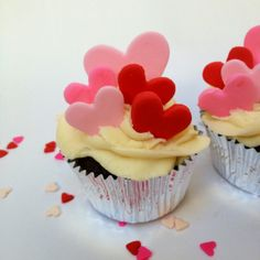 Fondant heart ideal to top my cupcakes with on Valentines Day