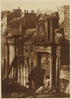 Covenanter's Tomb, Greyfriars Churchyard, Edinburgh, Scotland. Photographed by David Octavius Hill and Robert Adamson, circa Victorian London, Victorian Era, Mary Shelley, Old Pictures, Old Photos, The Frankenstein, London History, Uk History, British History