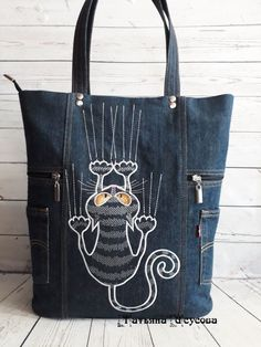 Best 12 Cool Cats Cats cat tote Cats Tails Black black cats tote – Page 358669557825030909 – SkillOfKing. Diy Sac, Denim Purse, Denim Tote Bags, Diy Bags Purses, Denim Handbags, Cat Bag, Denim Crafts, Handbag Patterns, Recycle Jeans