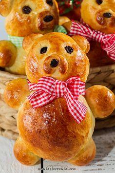 Teddybear Buns - Bułeczki misie Marzipan, Homemade Pastries, How To Make Bread, Bread Recipes, Tart, Sweet Tooth, Baking, Teddybear, Desserts