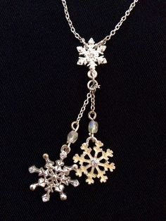 """US $7.95 Pre-owned in Jewelry & Watches, Fashion Jewelry, Necklaces & PendantsAvon White Crystal Snowflake Lariat Tassel Chain Necklace Silver Tone Alloy 16""""+"""