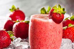 Vaso con smoothie de fresa