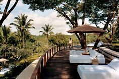 COMO Shambhala Estate is a luxurious wellness retreat in Ubud, Bali. COMO Shambhala Estate is one of the best and most exclusive health resorts in the world. Ubud Hotels, Hotels And Resorts, Top Hotels, Spas, Beautiful Hotels, Beautiful Places, Amazing Places, Winter Sun Destinations, Amazing Destinations