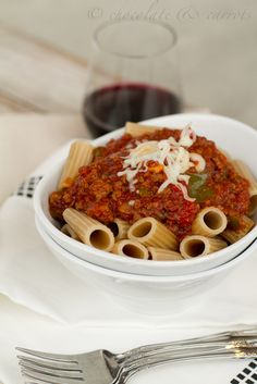 Crock Pot Spaghetti Sauce: ground meat, onion, green pepper, diced & crushed tomatoes, tomato sauce, chocolate syrup (or bbq sauce?), Italian seasoning, s