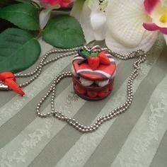 Magnifique sautoir bijou biscuit craquant,chocolat fraise