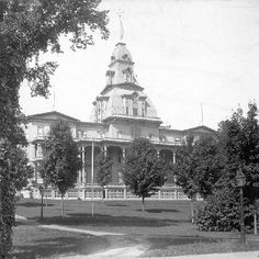 Chautauqua Institution - Athenaeum Hotel around 1900 - The upper portion of the tower was removed in 1923 - photographer unknown, photo by Chautauqua Institution via Facebook