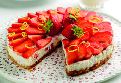Strawberry cheesecake http://www.womans-world.co.uk/index.php/recipes/957-italian-strawberry-cheesecake