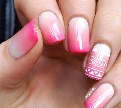 fehér és rózsaszín keveréke