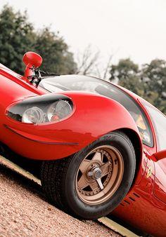 itsbrucemclaren:  Ferrari 330 P4   My God….