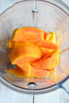 This peach green tea recipe uses pureed fresh peaches?Flavoring iced tea with fruit is a great way to sweeten tea without the need to add a lot of extra sugar. Peach Green Tea Lemonade, Peach Ice Tea, Peach And Green, Green Tea Recipes, Iced Tea Recipes, Green Tea Uses, Iced Tea Maker, Puppy Chow Recipes, Peach Syrup
