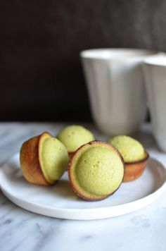 Matcha Financiers With Chocolate Filling 20 Delicious Bite-Size Desserts That Are Perfect For Entertaining Bite Size Desserts, Mini Desserts, Sweet Desserts, Dessert Recipes, Plated Desserts, Delicious Desserts, Yummy Food, Green Tea Dessert, Matcha Dessert
