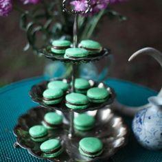 Mint-Chocolate-Macarons