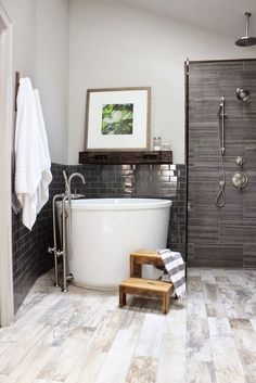 99 Small Bathroom Tub Shower Combo Remodeling Ideas (77)