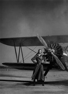 I can see how a biplane could make you do the Wonder Woman pose.