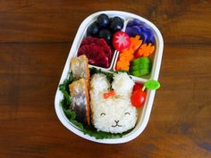 Back to school means a return to routine, but bento boxes are a fun way to banish boring lunches and please even the pickiest palates. Here are top tips from our favorite bloggers and Instagram artists.