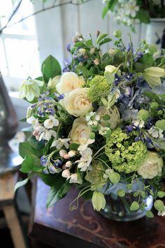 バラ/ビバーナム/グリーンベル/ブーケ/花束/花どうらく/花屋/http://www.hanadouraku.com/bouquet