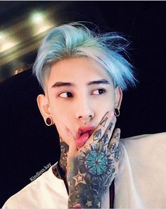 korean boy in tattoo ✿ Korean Tattoos, Asian Tattoos, Boy Tattoos, Tattoo Boy, Tattoo Hand, Bad Boy Aesthetic, Korean Aesthetic, Aesthetic People, Korean Boys Ulzzang