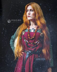 Dhy Ngetal by Jaqueline Damian - hair,long hair,redhead,blonde,cabelo,cabelo longo,elfo,elvish,elven,tathariel,my elven kingdom,Viking,Viking queen,princess,ordo Draconis Belli,medieval,ruiva,cobre,tranças,cabelo trançado,elfico,elfo,celta,fire,viking,vikings, viking girl, woman,brooch,amber,ambar