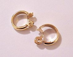 Monet Dome Hoops Clip On Earrings Gold Tone Vintage Edge Small Round