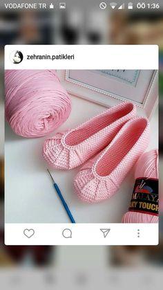 Crochet Headband - Tapete O Carpeta A Crochet Paso A Paso Con Puntos Garbanzos O Puff En Vide. Bandeau Crochet, Crochet Shirt, Crochet Gifts, Diy Crochet, Crochet Baby, Crochet Stitches, Crochet Patterns, Braidless Crochet, Beginner Crochet Tutorial