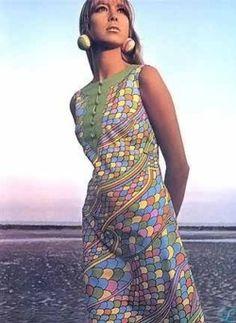 Vogue UK November 1966 Pattie Boyd photographed by Jerry Czember Foto Fashion, Fashion History, Fashion Models, Fashion Beauty, 60s And 70s Fashion, Vintage Fashion, Vintage Chic, Psychedelic Fashion, Pattie Boyd