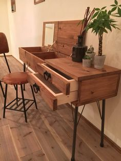 Dresser|ドレッサー・ミラー・鏡台|Baum|ハンドメイド通販・販売のCreema Small Room Bedroom, Bedroom Decor, Bedroom Ideas, Wooden Bar Table, Furniture Sets, Furniture Design, Student Room, Hidden House, Bars For Home