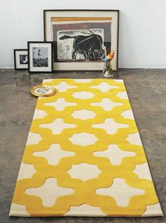 What a happy carpet!  Yellow and white + one black dog, and two black cats = hairy disaster. But, it is so pretty.
