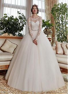 Glamorous Tulle Scoop Neckline Ball Gown Wedding Dresses With Lace Appliques
