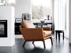 Monte chair in exclusive Salvador aniline leather.