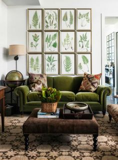 retro wohnzimmer ideen You are in the right place about living room navy Here we offer you the most Green Velvet Sofa, Green Sofa, Green Couch Decor, Olive Green Couches, Living Room Decor Green, Emerald Green Couch, Green Lounge, Purple Velvet, Green Home Decor