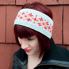 Knit a Fair Isle (or stranded colorwork) headband with this step-by-step tutorial and pattern.