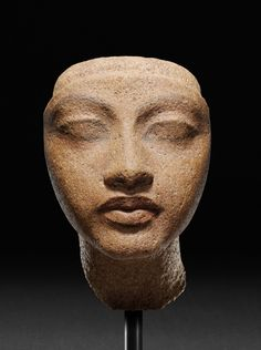 Head of a Queen. Historical Dating: Amenhotep (Amenophis) IV / Akhenaten